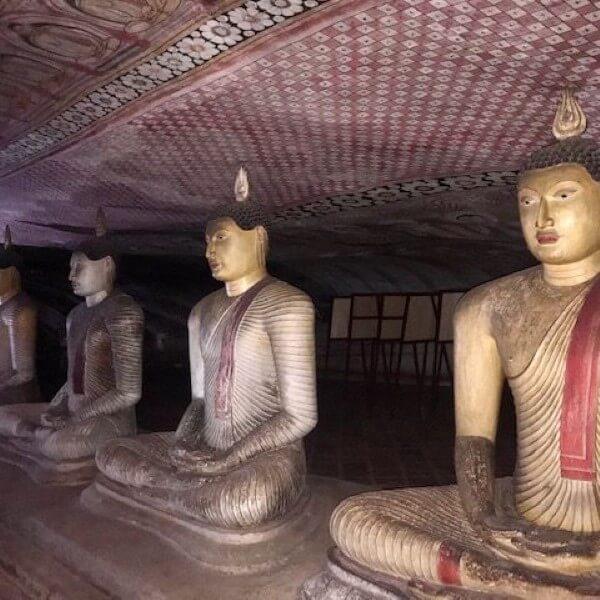 inside dambulla vace temple